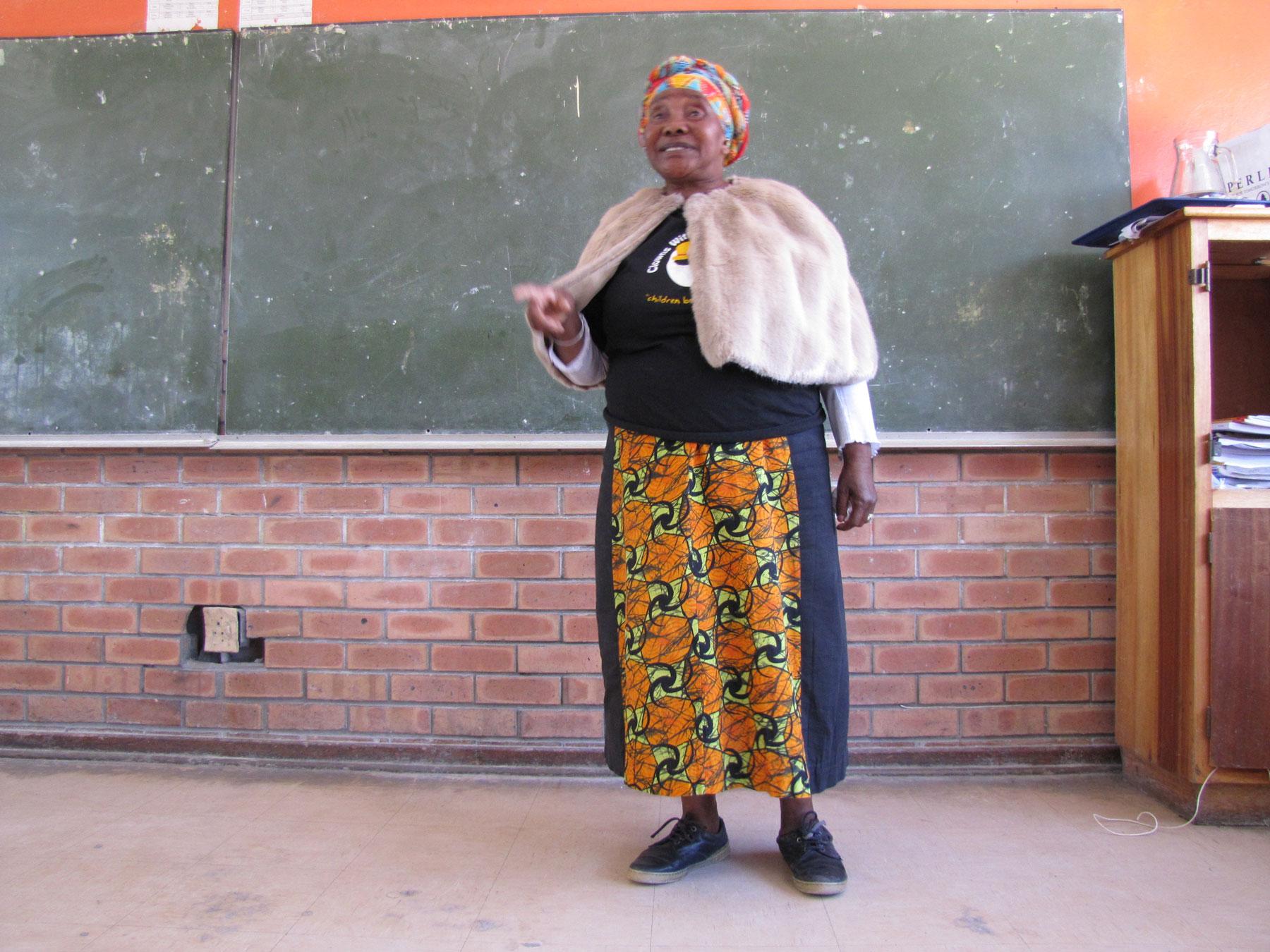 Elder-sharing-story,-Schools-Storytelling-Tour,-Khayelitsha,-2015
