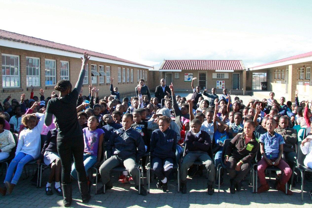 Outside-Storytelling-School-Storytelling-tour-Khayelitsha-2016